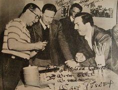 Foto que le dedicó Walt Disney. A la izquierda Molina Campos en plena explicación. http://www.desvandebuenosaires.net/humor-patoruzu/florencio-molina-campos/