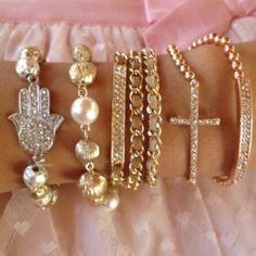 SET CUZCO bracelets Love Bracelets, Jewelry Bracelets, Jewelry Box, Jewelery, Fashion Accessories, Fashion Jewelry, Jewelry Accessories, Diamond Are A Girls Best Friend, Unique Fashion