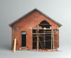 Ofra Lapid- Broken Houses..Miniatures. Странная симметричность и пропорциональность. Кирпич, Деревянные доски и стропила