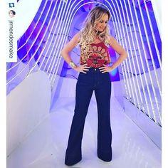 SnapWidget | Agora ao vivo @blogdaeliana #programadaeliana por @jrmendesmake @lequipejrmendes @edyglamour @thidyalvis #jrmendes #lequipejrmendes #eliana #amor #apresentadora #blog #beautiful #elianalife #elianamichaelichen #fashion #girl #happy #instagood #instagram #life #look #love #programaeliana #sbt #tv #truelove