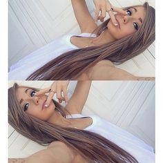 Long flat hair with layered swift bangs Beautiful Long Hair, Gorgeous Hair, Really Pretty Girl, Pretty Girls, Taylor Alesia, Hair Addiction, Ash Blonde Hair, About Hair, Hair Looks