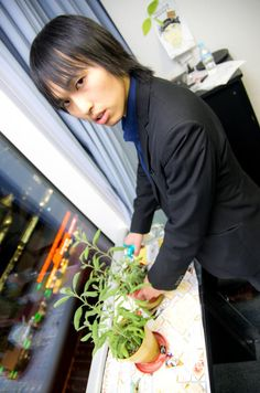 Mr.Nakamine https://www.facebook.com/herbsdiary