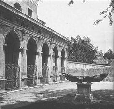 Chiesa Santa Maria in Domnica e Navicella (la navicella è ancora da restaurare e in posizione perpendicolare rispetto all'ingresso della chiesa) Anno: Inizi '900