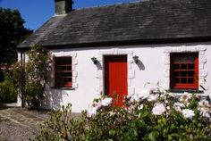 Poets Cottage is a cosy pet friendly retreat for two in the waterside village of Laugharne put firmly on the map by its famous son the Welsh poet Dylan Thomas. Description from qualitycottages.co.uk. I searched for this on bing.com/images