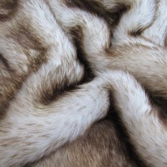 Toasted Marshmallow - Chocolate tipped white 25mm pile synthetic faux fur fabric -1/4m piece (pallet bed/bench cushion)