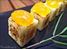 Dadinhos de Queijo Coalho com Geléia de Manga - É só pegar aqueles espetinhos de queijo de coalho, cortar em cubos e dourá-los na frigideira ou com maçarico, Pinguinho de geléia da sua preferência em cima e luxo total colega!