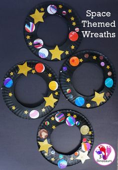 A Fun Space Theme Wreath - make a paper plate wreath with a space theme that has planets and stars - 3Dinosaurs.com #spacetheme #wreathsforkids #3dinosaurs #craft