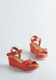 Wander Out Loud Wedge in Melon. As your mind drifts, your feet, too, meander in these melon-hued platforms! #coral #modcloth