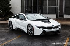 Bow Wow rapper gets a BMW i8 as a gift - http://www.bmwblog.com/2015/05/30/bow-wow-rapper-gets-a-bmw-i8-as-a-gift/