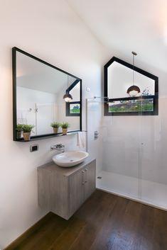 Prototipo Extend® 47m2 Sala de Negocios y Ventas Baño Principal Double Vanity, Bathroom, Master Bath, Prefab Homes, Bath Room, Bathrooms, Bath, Bathing, Bathtub