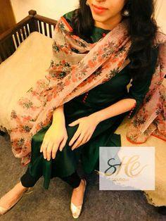 Love for the color 😍❤️ Dress Neck Designs, Designs For Dresses, Blouse Designs, Churidar Designs, Kurta Designs Women, Salwar Dress, Salwar Suits, Anarkali, Salwar Pattern