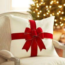 Add holiday cheer to a pillow with a festive Velvet Ribbon Bow. Christmas Sewing, Rustic Christmas, Christmas Crafts, Christmas Ornaments, Christmas Time, Christmas Cushions, Christmas Pillow, Bow Pillows, Velvet Ribbon