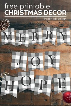 Cute rustic Christmas printable sign letters to make a DIY custom plaid banner. This free printable decor is both cute and budget friendly. #papertraildesign #Christmas #rusticChristmas #Christmasdecor #banner #freedecor