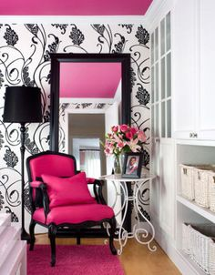 gorgeous black and white wallpaper with a pink chair and matching hot pink ceiling. My New Room, My Room, Girls Bedroom, Bedroom Decor, Bedrooms, Bedroom Ideas, Pink Ceiling, Ceiling Color, Color Walls