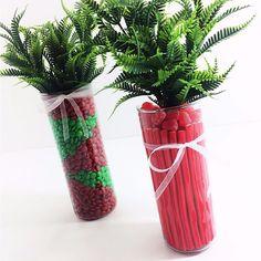 Natal com guloseimas, Porque SIMMMM! Que tal montar lindos vasos com as guloseimas preferidas da garotada e deixar o Natal mais doce! Olha estas duas dicas super simples para fazer com o Tubo Vela. #natal #decoraçãodenatal #guloseimas #enfeitecomestivel #vidro #vasodevidro