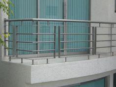 Καγκελα Terrace Grill, Balcony Grill Design, Balcony Railing Design, Window Grill Design, Balcony Decoration, Diy Stair Railing, Modern Railing, Staircase Railings, Staircase Metal