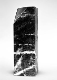 Sodalite rock sculpture by Professor Fabrizio Fernandina, 2008 Marble Furniture, Crystal Shapes, Art Object, Installation Art, Textures Patterns, Monochrome, Design Art, Packaging, Black And White
