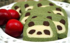 Panda Kekse selbst backen mit diesem Rezept mit Schritt und Schritt Anleitung und Bildern. Diese Pandas sind einfach zum verlieben und ein Hinblicker schlechthin