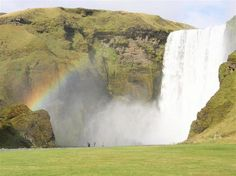 スコーガフォスの滝 in アイスランド