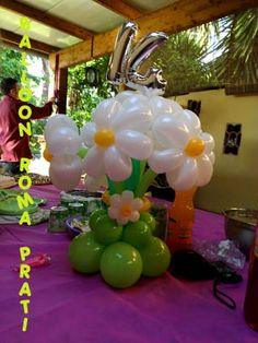 CENTERPIECE FLOWER WITH NUMBER BALLOON ART