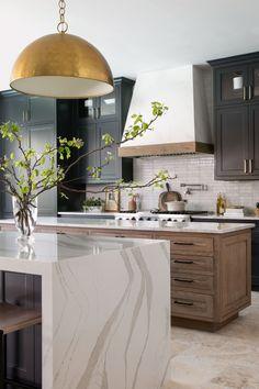 Kitchen Post, Home Decor Kitchen, Rustic Kitchen, Kitchen Interior, New Kitchen, Home Kitchens, Kitchen Dining, Kitchen Ideas, Hotte Design