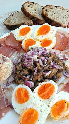 Kategória: Szendvicsrevalók   Konyhagyári capriccio Cobb Salad, Ethnic Recipes, Food, Essen, Meals, Yemek, Eten