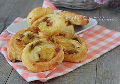 Girelle di sfoglia con funghi patate e pancettaGirelle di sfoglia con funghi patate e pancetta