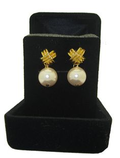 PINK NEW PEARL EARRING, select CLIP or PE