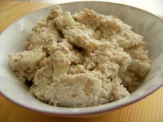 Onion Dip (Raw Vegan)  2 cups macadamia nuts, soaked 3/4-1 cup water 1 teaspoon sea salt 1 garlic clove, minced 1 cup onion, diced chives (optional)