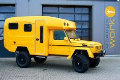 Created by custom truck builder Orange Work in Germany, the Mercedes Lennson Camper is the ultimate off-road and expedition vehicle. Built using an already impressive Mercedes G-Wagon, the beastly camper is powered by a powerful 2 Mercedes Benz G Klasse, Mercedes G Wagon, Mercedes Camper, Overland Truck, Overland Trailer, Motorcycle Camping, Camping Gear, Pick Up, Van Life
