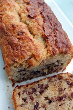 """Cake croustillant au caramel façon """"gâteau au yaourt""""   Torchons & Serviettes, le blog de recettes de Cécile Lalanza"""