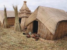 Uros Islands, Peru, Indigenous Traditional Housing This world is really awesome. Vernacular Architecture, Historical Architecture, Architecture Design, Amazing Architecture, Lake Titicaca Peru, Parc National, Traditional House, South America, Beautiful Places