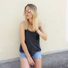tifmys - Ray Ban Round Metal sunnies, Tally Weijl top & Levi's Vintage shorts.