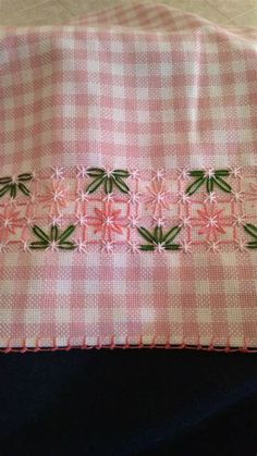 Hardanger Embroidery, Hand Embroidery Stitches, Silk Ribbon Embroidery, Hand Embroidery Designs, Embroidery Techniques, Embroidery Applique, Cross Stitch Embroidery, Chicken Scratch Patterns, Chicken Scratch Embroidery