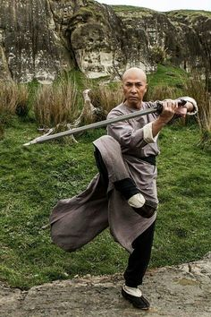 "guts-and-uppercuts: ""Donnie Yen in ""Crouching Tiger, Hidden Dragon Sword of Destiny"" "" Kung Fu Martial Arts, Martial Arts Weapons, Martial Arts Styles, Martial Arts Techniques, Chinese Martial Arts, Martial Arts Movies, Martial Arts Workout, Martial Artists, Shaolin Kung Fu"