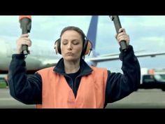 DGT España - Campaña Distraccións. Ao volante o 99% de atención non é suficiente.