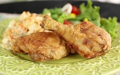 Southern Fried Chicken! Get the recipe >> http://www.greatamericancountry.com/living/food/southern-fried-chicken?soc=pinterest