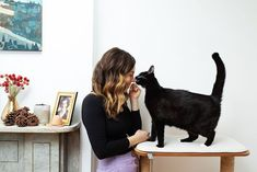 """Girls and Their Cats sur Instagram: 1/3 """"I'm what they call a 'foster fail.' Having grown up with cats my whole life, I've always been a fan but was nervous to take on the… My Whole Life, Always Be, The Fosters, Growing Up, Fails, Instagram, Decorating, Decor, Decoration"""