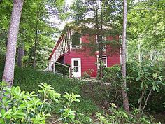 http://www.zillow.com/homedetails/2580-Cattail-Creek-Rd-Burnsville-NC-28714/2138913288_zpid/    Want to live here really badly.