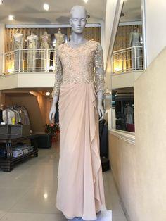 ชุดราตรี เดรสออกงาน เสื้อลูกไม้ งานแต่งงาน  Thai evening dress Evening Dresses, Prom Dresses, Wedding Dresses, Thai Wedding Dress, Kebaya Dress, Hijab Outfit, Hijab Fashion, Party Dress, Gowns