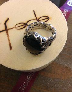 Anello corona del re #ProgettoFede con madreperla nera