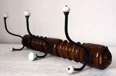Grands français porte-manteau en bois avec des crochets de porcelaine - loft industriel du motif bambou- Le bois a travaillé comme faux bambou était