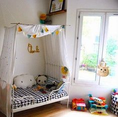 mommo design: IKEA HACKS - Branch canopy for the Minnen bed