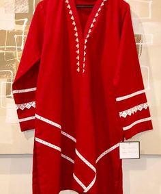 Pakistani Party Wear Dresses, Simple Pakistani Dresses, Pakistani Fashion Casual, Pakistani Dress Design, Pakistani Suits, Sleeves Designs For Dresses, Dress Neck Designs, Stylish Dress Designs, Blouse Designs