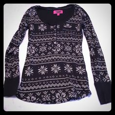 VS Thermal top Really warm with a really cute design! Great for winter!! It is blacked out on the tag but fits a small Victoria's Secret Tops Tees - Long Sleeve