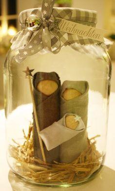 Der kleine Stempelgarten: Krippe im Glas The small stamp garden: Nativity scene in the glass Nativity Crafts, Christmas Projects, Holiday Crafts, Nativity Ornaments, Noel Christmas, Winter Christmas, Christmas Ornaments, Christmas Nativity Scene, Navidad Diy