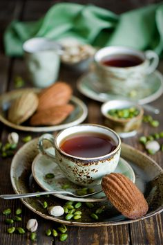 Breakfast with Tea and Chocolate Pistachio Madeleine. Coffee Break, Coffee Time, Tea Time, Steelite Craft, Chocolate Cafe, Cuppa Tea, My Cup Of Tea, Tea Cup, Tea Recipes