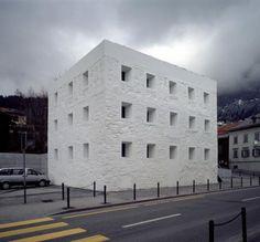 Valerio Olgiati, The Yellow Howse, Flims (Suisse)