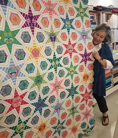 This may be my favourite use of yet by isnt it gorgeous? Jeannie is an EPP grand master jedi knight. Hexagon Quilt, Hexagons, Pink Quilts, Baby Quilts, Tula Pink Fabric, Patchwork Ideas, Jedi Knight, Modern Quilting, Traditional Quilts