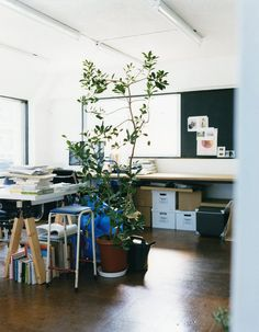 hiromifujita.tokyo Office Desk, Corner Desk, Tokyo, Furniture, Home Decor, Corner Table, Desk Office, Decoration Home, Desk